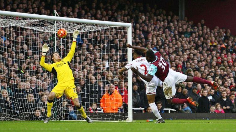Nathaniel Clyne et Simon Mignolet, battus par Michail Antonio lors de la défaite de Liverpool à West Ham (2-0) (MICHAEL ZEMANEK / BACKPAGE IMAGES LTD)