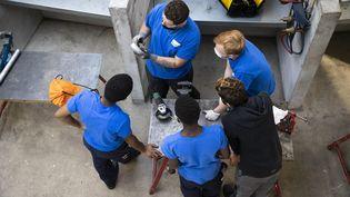 Des apprentis du Centre de formation des apprentis (CFA) BTP de Rueil Malmaison (Hauts-de-Seine).   (ALEXIS SCIARD / MAXPPP)