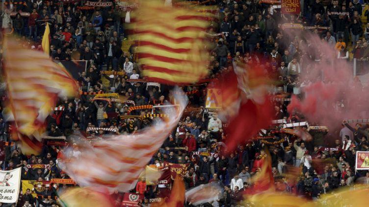 Les supporters de la Roma, le 4 avril 2015, lors du match de Serie A face au Napoli.