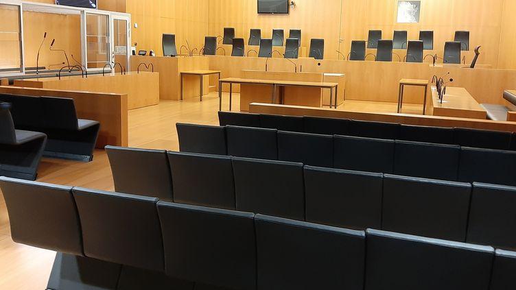 La salle Alexis de Tocqueville dans le Palais Gambetta à Caen (Calvados) a accueilli la première affaire jugée en cour criminelle en France le 5 septembre 2019. (MARCELLIN ROBINE / FRANCE-BLEU BASSE-NORMANDIE)