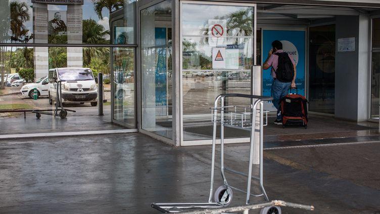 L'entrée de l'aéroport de Cayenne en Guyane. (MAXPPP)