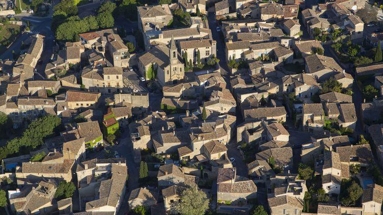 Le village de Saint-Maximin (Gard), le 22 avril 2017. (COLIN MATTHIEU / HEMIS.FR / AFP)