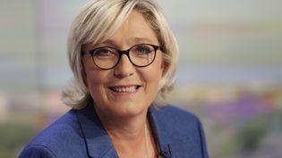 Marine Le Pen a fait sa rentrée politique lorsdu JT de 20 heures sur TF1, jeudi 7 septembre 2017. (THOMAS SAMSON / AFP)