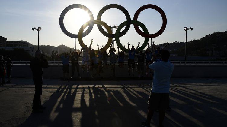 Les anneaux olympiques de Rio (JAVIER SORIANO / AFP)