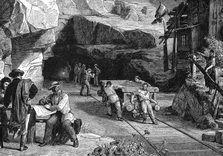 Fin 19e, les travaux à la main du premier tunnel du Gothard. «2500 ouvriers travaillent au pic, à la pelle et avec des perforatrices à air comprimé. 3 équipes se relaient 24h/24, des deux côté de la montagne, autour de la pièce-maîtresse de l'ouvrage, un long tunnel de 15 km qui s'engouffre à l'intérieur du massif du Gothard», selon un site de la RTS. (Ann Ronan Picture Library / Photo12)