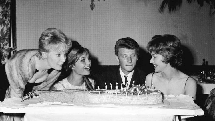 Johnny Hallyday fête son anniversaire le 17 juin 1961 à Paris. (DALMAS / SIPA)