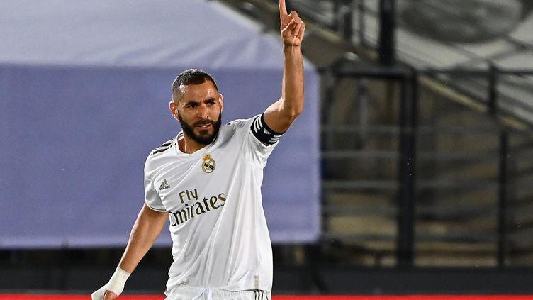 Karim Benzema encore buteur avec le Real Madrid (GABRIEL BOUYS / AFP)