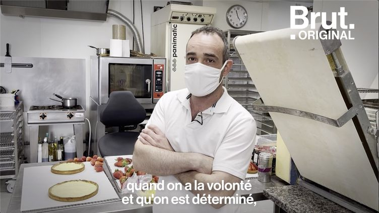 VIDEO. Ce boulanger réaménage son commerce pour son employé handicapé (BRUT)