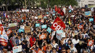 Une manifestation contre la politique d'Emmanuel Macron à Paris, le 5 mai 2018. (MARIE MAGNIN / HANS LUCAS / AFP)