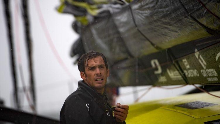 Charlie Dalin (ici le 30 septembre 2020) résiste en tête de la flotte du Vendée Globe dans le Pot au Noir. (LOIC VENANCE / AFP)