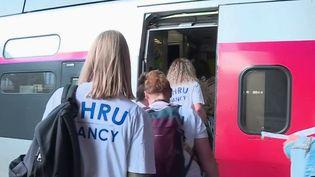 Covid-19 : des soignants prennent la direction des Antilles pour apporter de l'aide (France 2)