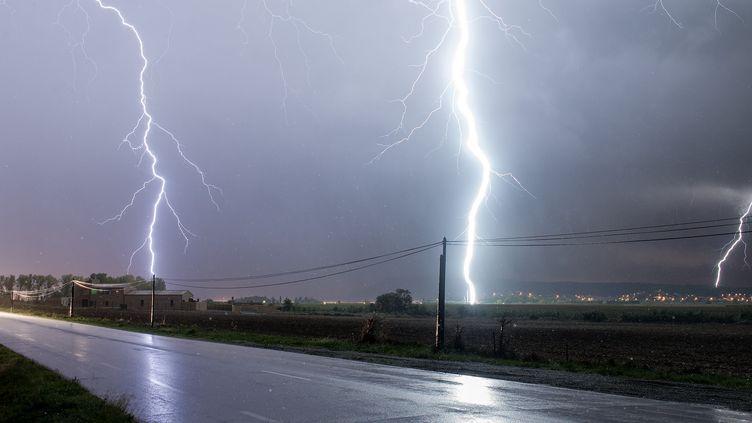 Un orage dans les Cévennes, en 2016. (XAVIER DELORME / BIOSPHOTO / AFP)