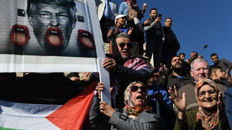 Manifestation anti-Trump près de l'esplanade des mosquées à Jérusalem, le 8 décembre 2017 (VALERIY MELNIKOV / SPUTNIK / AFP)