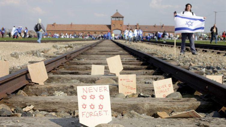 La voie de chemin de fer menant au camp d'extermination d'Auschwitz (nom allemand d'Oswiecim) en Pologne (AFP - BARTEK WRZESNIOWSKI)