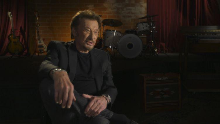 """Johnny Hallyday interviewé en avril 2017, par Daniel Rondeau,dans le documentaire""""Johnny Hallyday, la France rock'n'roll"""". (© KUIV)"""