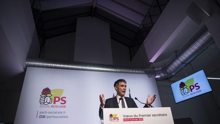 Le Premier secrétaire du PS, Olivier Faure, présente ses vœux depuis le siège du parti à Ivry-sur-Seine (Val-de-Marne). (THOMAS SAMSON / AFP)