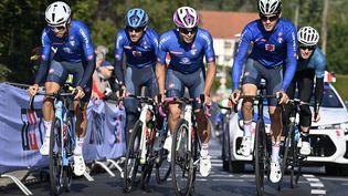 Les coureurs de l'équipe italiennelors du cinquième jour des Championnats du monde de cyclisme sur route, à Louvain, le jeudi 23 septembre 2021, en Belgique. (DIRK WAEM / AFP)