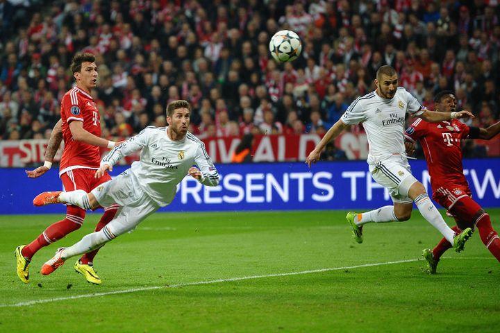 Le 29 avril 2014, Sergio Ramos inscrit un doublé de la tête face au Bayern en demi-finale de Ligue des champions. (REVIERFOTO / DPA)
