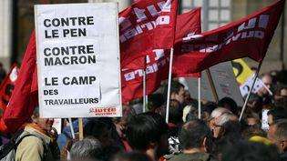 Dans le défilé du 1er-Maià Rennesen 2017. (DAMIEN MEYER / AFP)
