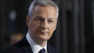 Le ministre de l'Economie, Bruno Le Maire, lors d'une conférence de presse sur l'affaire Lactalis, à Paris, le 12 janvier 2018. (PATRICK KOVARIK / AFP)