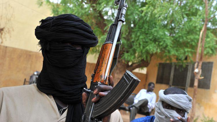 Des combattants du Mujao, le 16 juillet 2012, à Gao, au Mali. (ISSOUF SANOGO / AFP)