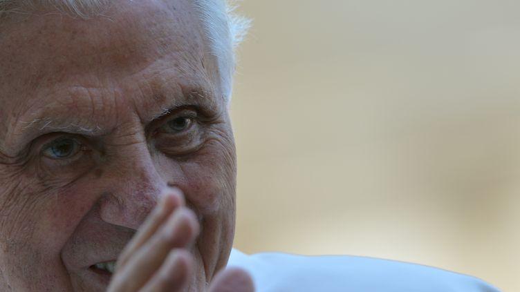 Le pape Benoît XVI, le30 mai 2012 sur la place Saint-Pierre de Rome (Vatican) (ANDREAS SOLARO / AFP)