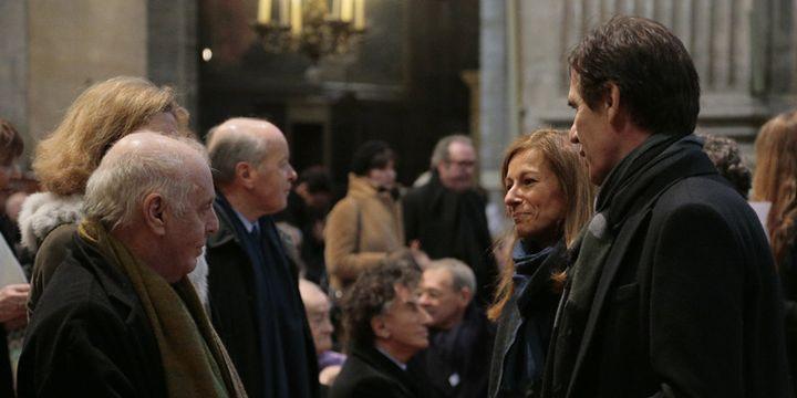 Au premier plan, Daniel Barenboim (à gauche), Laurent Bayle (à droite), Anne Gravoin à la droite de ce dernier. Plus loin, on reconnaît Jacques Toubon et Jack Lang, à l'église Saint-Sulpice de Paris  (Jacques Demarthon / AFP)