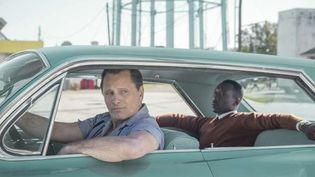 """Viggo Mortensen, le chauffeur, avecMahershala Ali dans """"Green Book : Sur les routes du sud""""de Peter Farrelly (METROPOLITAN FILMEXPORT)"""