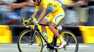 Le vainqueur du Tour de France 2014, l'ItalienVincenzo Nibali, le 27 juillet 2014 à Paris. (ERIC LALMAND / BELGA MAG / AFP)