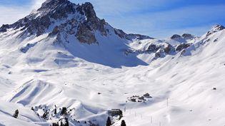 Le col du Petit Argentier, dans la station de Valfréjus(Savoie), où une avalanche s'est déclenchée le 18 janvier 2016 (photo d'illustration). (JACQUES PIERRE / HEMIS.FR / AFP)