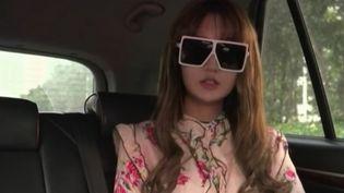 En Chine, la chirurgie esthétique attire des millions de jeunes femmes, au point de devenir un phénomène de société. (France 2)