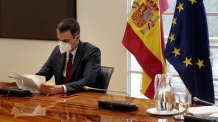 Le Premier ministre espagnol, Pedro Sanchez, le 17 décembre 2020 à Madrid. (JOSE MARIA CUADRADO JIMENEZ / LA MONCLOA / AFP)