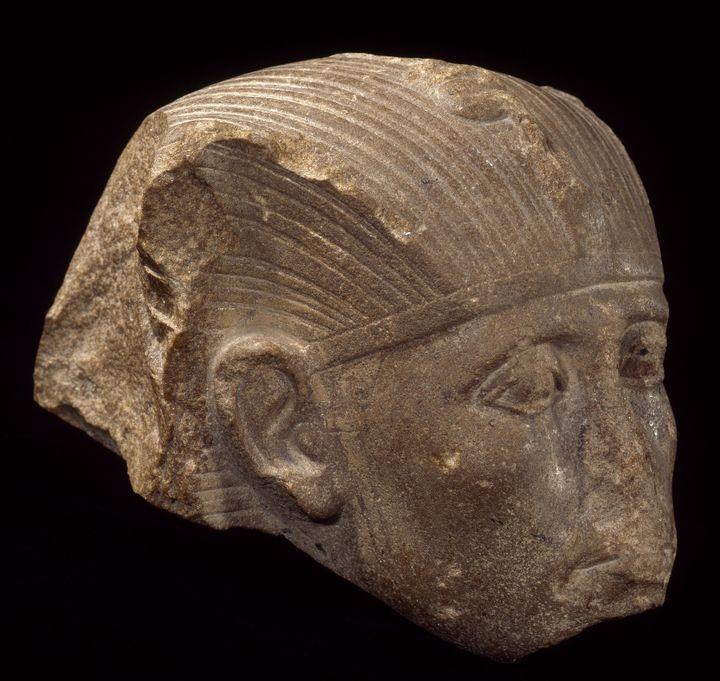 La tête du pharaon Sésostris III  (Musée du Louvre, Dist. RMN-Grand Palais/Christian Decamps)