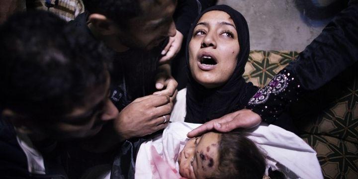 Mère et son bébé tué à Gaza le 16 novembre 2012 (AFP/MARCO LONGARI )