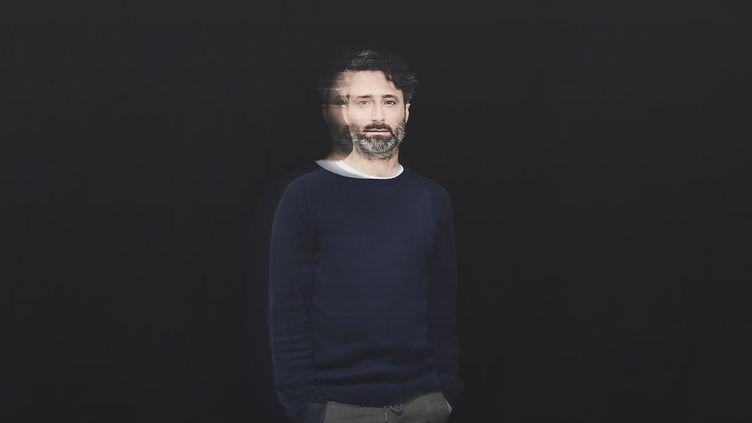 """Louis-Jean Cormier sort son quatrième album solo, """"Le Ciel Est Au Plancher"""". (Dominique Lafond)"""