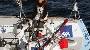 La navigatrice Florence Arthaud en 2007 pendant une sortie au large de l'île d'Ouessant. (MARCEL MOCHET / AFP)