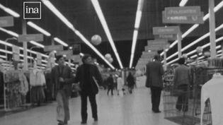 15 juin 1963 :le premier hypermarché ouvre sesportes (FRANCE 2)