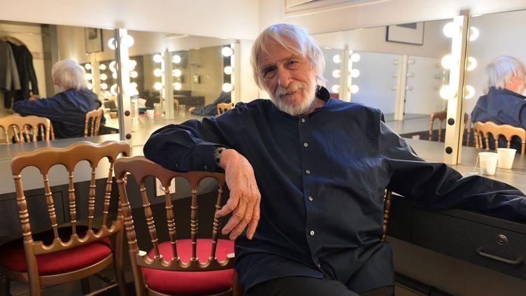 """L'acteur Pierre Richard dans la pièce """"Petit éloge de la nuit"""", ci-contre dans sa loge au théâtre de l'Union, à Limoges, en janvier. (MAXPPP)"""