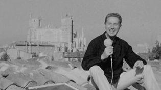 Le chanteur et poète Charles Trenet est mort il y a 20 ans. Né à Narbonne, il aimait célébrer la joie, l'insouciance et la douceur de la France. (France 3)