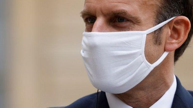 Emmanuel Macron, le 28 octobre 2020, au palais de l'Elysée. (LUDOVIC MARIN / AFP)