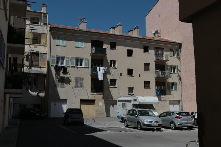 L'immeuble où vivait Mohamed Lahouaiej-Bouhlel, l'auteur de l'attentat au camion, à Nice (Alpes-Maritimes) le 15 juillet 2016. (MAXPPP)