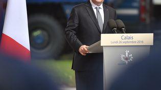 Le chef de l'Etat François Hollande le 26 septembre 2016 à Calais (Pas-de-Calais). (PHILIPPE HUGUEN / AFP)