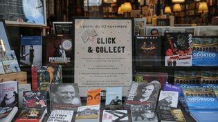 """Une librairie du centre-ville de Rennes a mis en place le """"Click and collect"""" pendant le confinement. Photo d'illustration. (VINCENT MICHEL / MAXPPP)"""