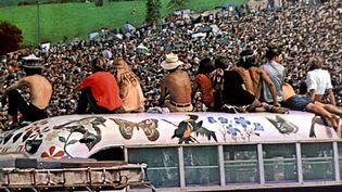Woodstock, août 1969. Un plan du documentaire de Michael Wadleigh consacré au festival et sorti en 1970. Ce documentaire a été récompensé par un Oscar. (WADLEIGH MAURICE / AFP)