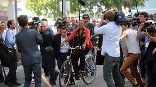 La ministre de la Justice, Christiane Taubira, à son arrivée à la réunion des frondeurs, samedi 30 août à La Rochelle (Charente-Maritimes). (XAVIER LEOTY / AFP)