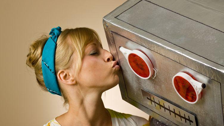 Deux études le prouvent : les humains éprouvent de l'empathie pour les robots, mais moins que pour leurs pairs. (IAN MCDONNELL / GETTY IMAGES)