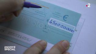 Chéquiers : gare aux fraudeurs ! (ENVOYÉ SPÉCIAL  / FRANCE 2)