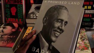 Lepremier tome des mémoiresde Barack Obama (FRANCEINFO)