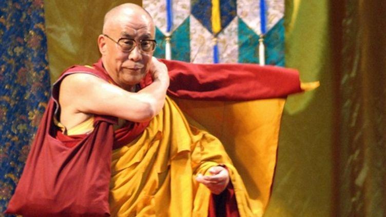 Le dalaï lama à Taiwan lors de la cérémonie de soutien aux victimes le 1er sept 09 à Kaoshsiung (© AFP. P.Lin)
