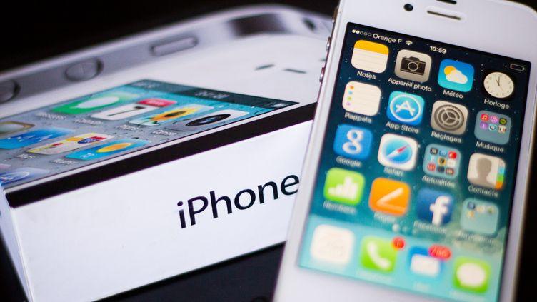 Modifié, un iPhonepourrait permettre de mieux lutter contre le diabète de type 1, selon une étude clinique dévoilée le 15 juin 2014. (MAXPPP)